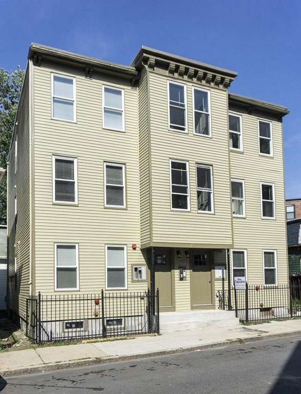 Photo of 41 West Walnut Pk. #3, Boston, MA 02119 (MLS # 72731153)