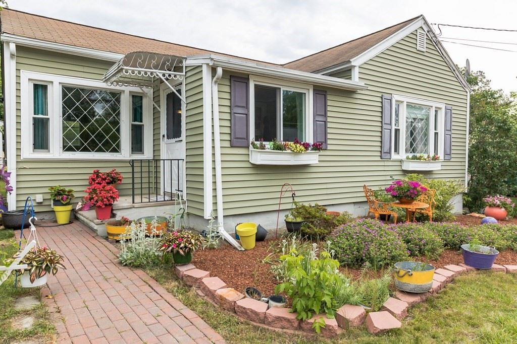 16 Montgomery Ave, Lowell, MA 01851 - MLS#: 72852160