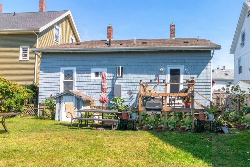 4 Willow St, Gloucester, MA 01930 - #: 72896168