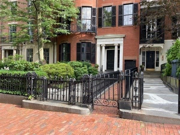 Photo of 59 Mount Vernon St, Boston, MA 02108 (MLS # 72784190)