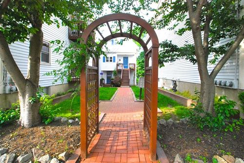 Photo of 11 Fayette St #6, Beverly, MA 01915 (MLS # 72845191)