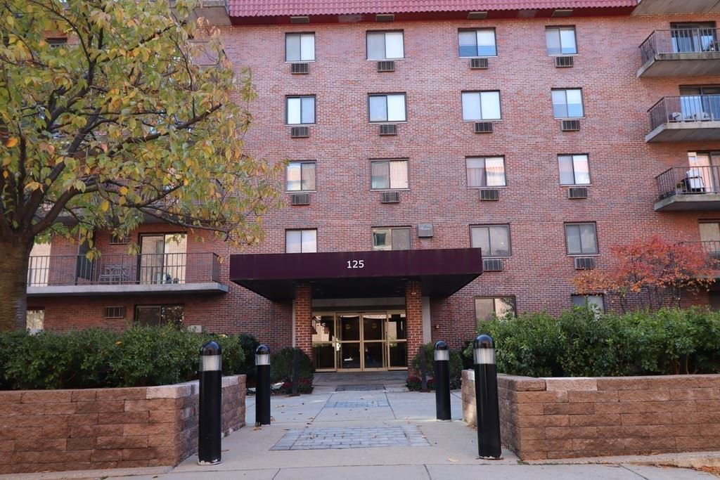 Photo of 125 Pleasant St #306, Brookline, MA 02446 (MLS # 72761201)