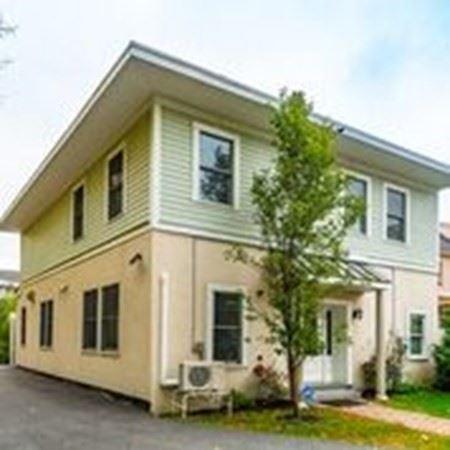 Photo of 35 R Lexington Ave #1, Somerville, MA 02144 (MLS # 72748228)