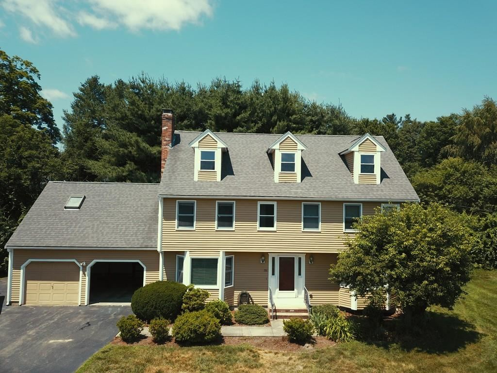 261 Whitney St, Northborough, MA 01532 - #: 72682256