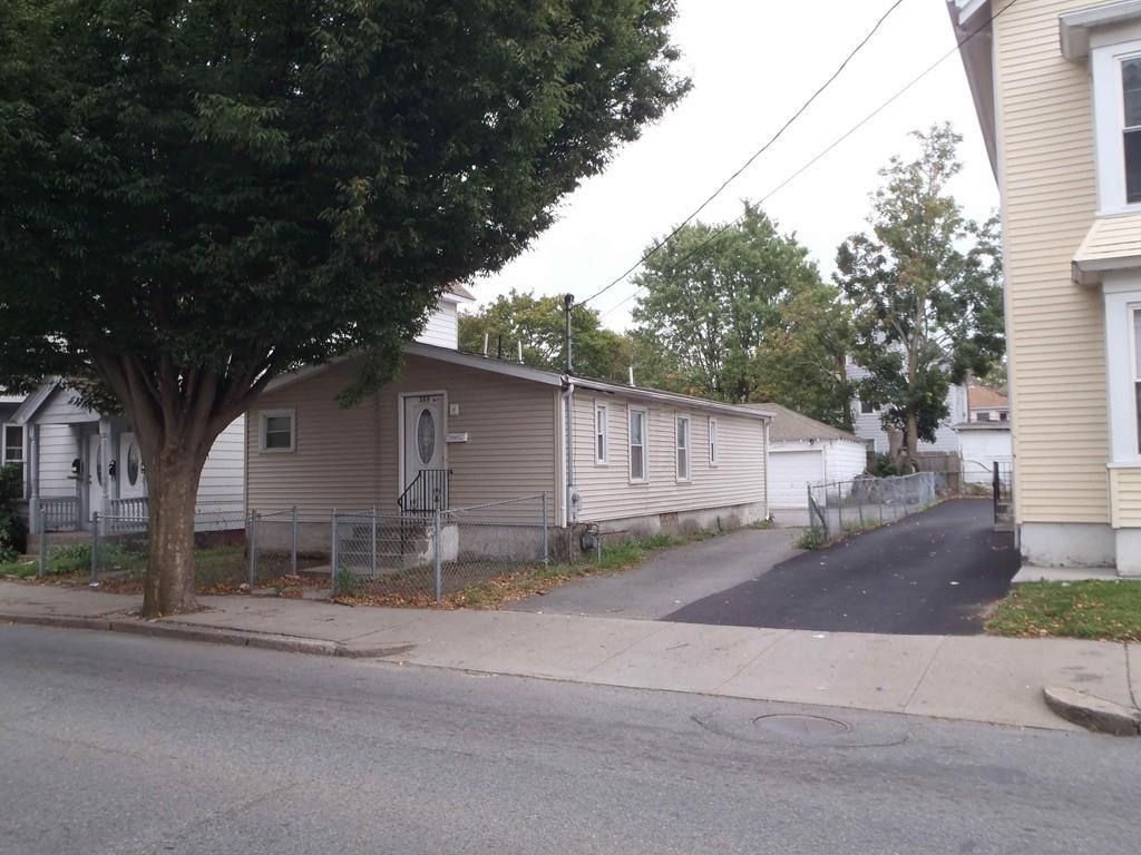 280 Weeden St, Pawtucket, RI 02860 - MLS#: 72641268