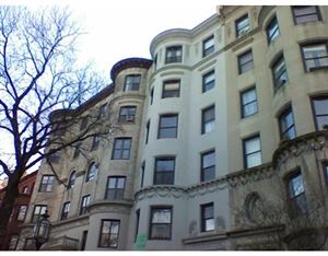 Photo of 384 Commonwealth Avenue #32, Boston, MA 02215 (MLS # 72435273)