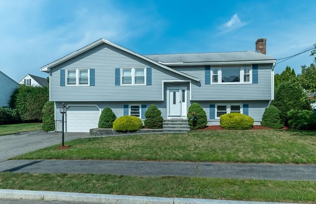 Photo of 21 Mansfield Dr, Wakefield, MA 01880 (MLS # 72730277)