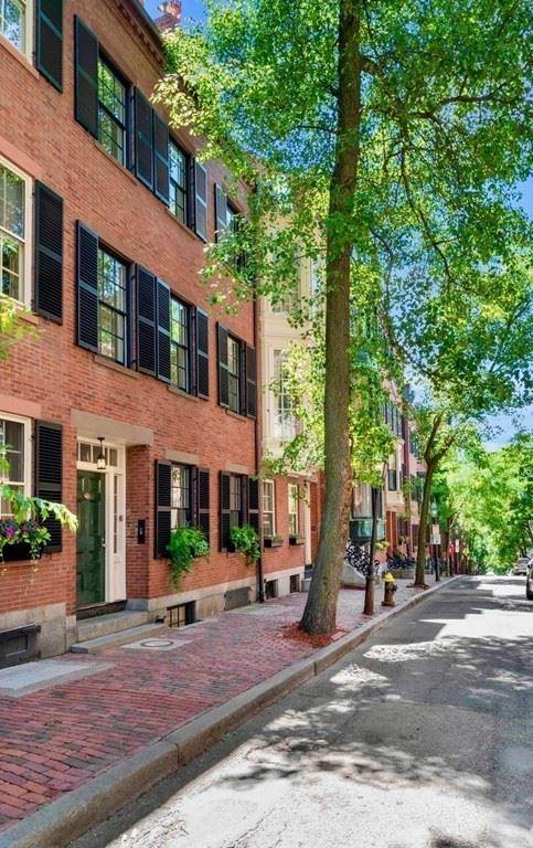 Photo of 54 Pinckney Street, Boston, MA 02114 (MLS # 72690299)