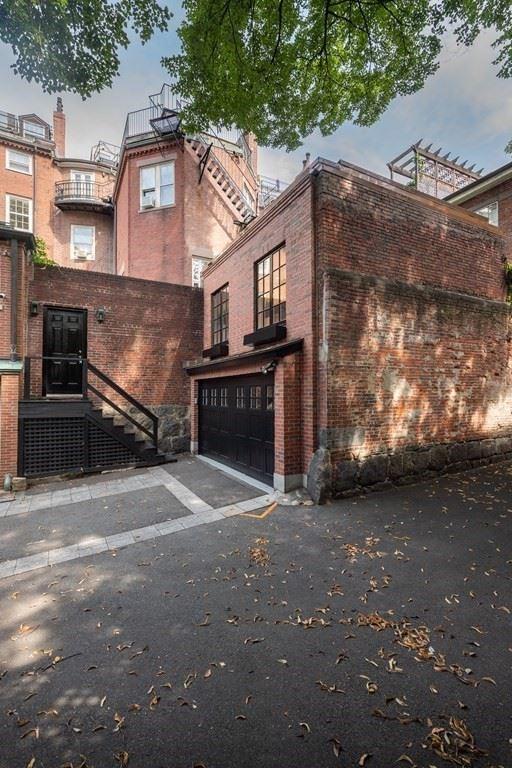 Photo of 20 Chestnut Street #1, Boston, MA 02108 (MLS # 72727313)