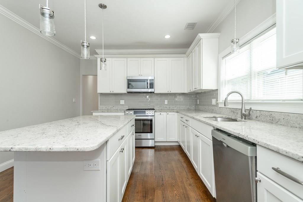 30 Pembroke Street, Somerville, MA 02145 - MLS#: 72724328