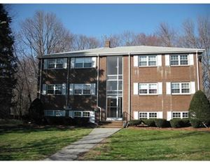 Photo of 50 Edgelawn Ave #5, North Andover, MA 01845 (MLS # 72587330)