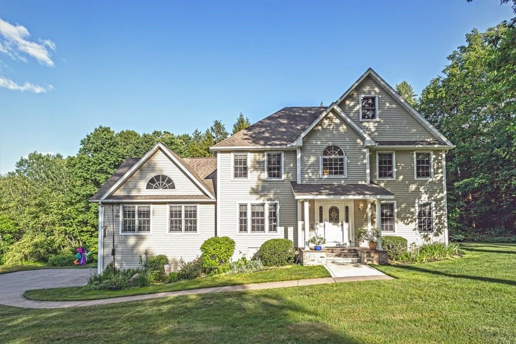 10 Secluded Rdg, Southwick, MA 01077 - MLS#: 72853352