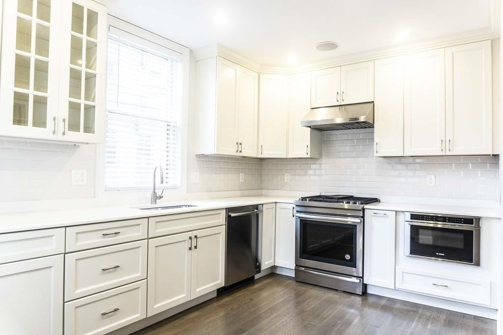 Photo for 102 Beacon #1, Somerville, MA 02143 (MLS # 72732356)