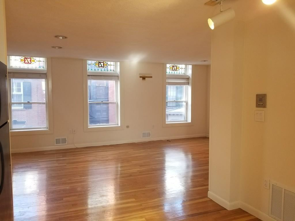 Photo of 82 Myrtle #3, Boston, MA 02108 (MLS # 72641359)