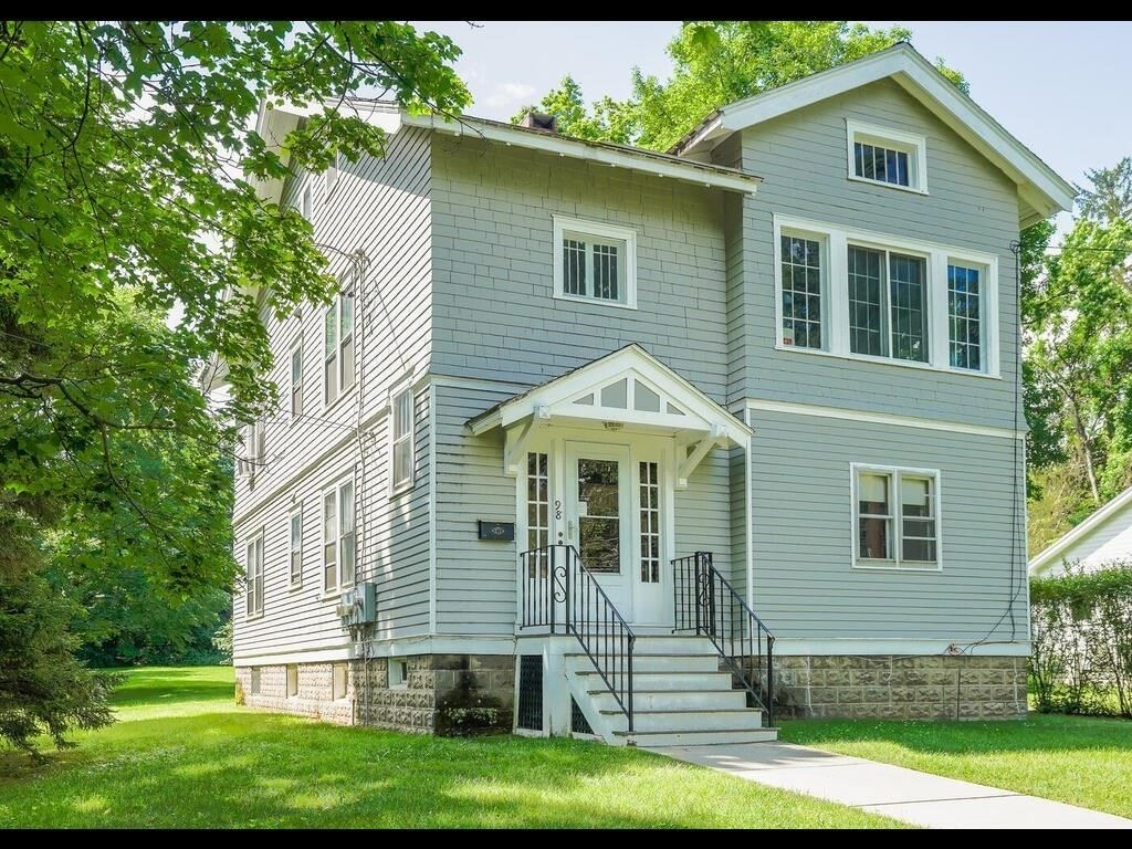 98 Fearing St, Amherst, MA 01002 - MLS#: 72851362