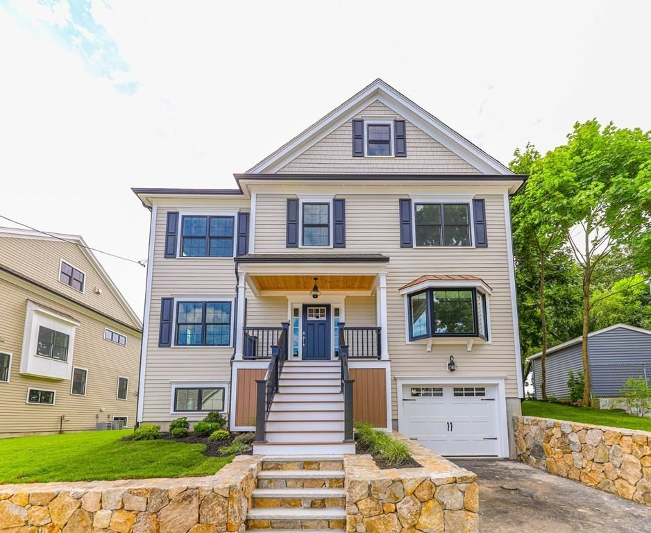 4 Searle Road, Boston, MA 02132 - MLS#: 72702370