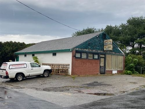Photo of 1255 Gardners Neck Rd, Swansea, MA 02777 (MLS # 72897379)