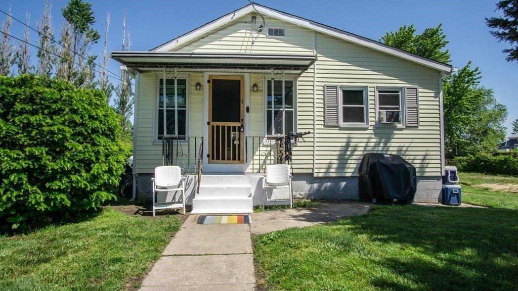 1 Rapoza Street, Dartmouth, MA 02748 - MLS#: 72844381