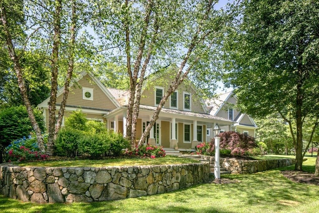 1 Bayberry Dr, Dartmouth, MA 02748 - MLS#: 72860381