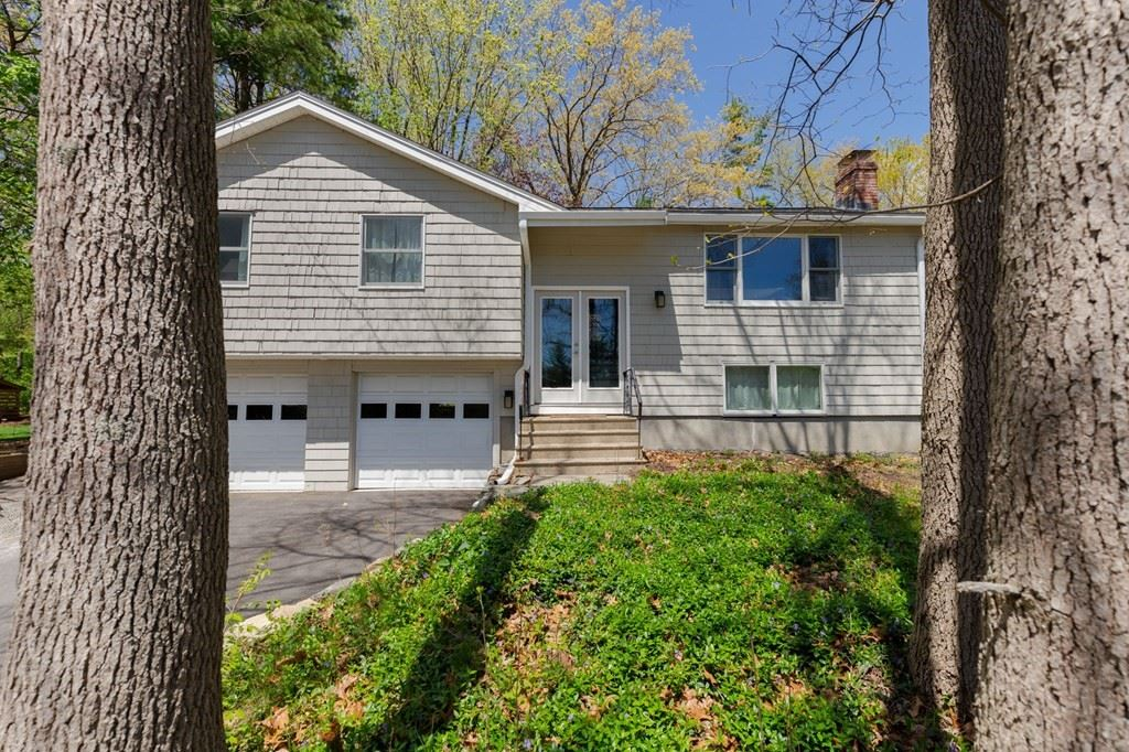4 Carriage Dr, Acton, MA 01720 - #: 72830387