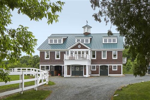 Photo of 1 Hunt Dr, Unit 1, Dover, MA 02030 (MLS # 72849391)