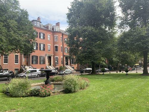 Photo of 11 Union Park #1, Boston, MA 02118 (MLS # 72731404)