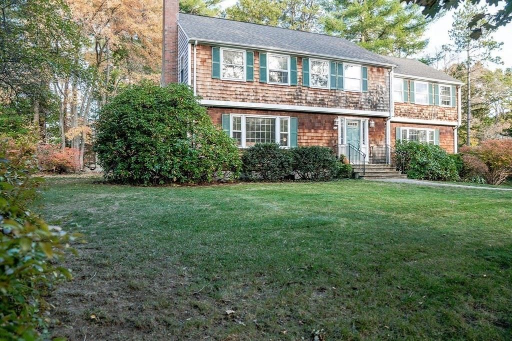 Photo of 15 Old Stagecoach Rd, Bedford, MA 01730 (MLS # 72746431)