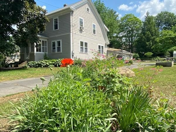 66 North St, Hatfield, MA 01038 - #: 72607436