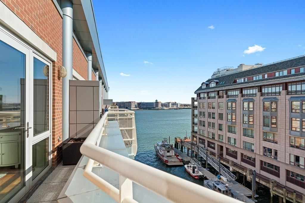 Photo of 4 Battery Wharf #4603, Boston, MA 02109 (MLS # 72719440)