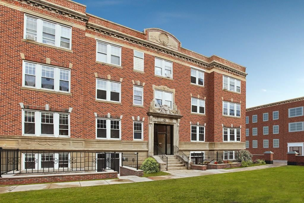 3 Greenway Court #1, Brookline, MA 02446 - #: 72682480