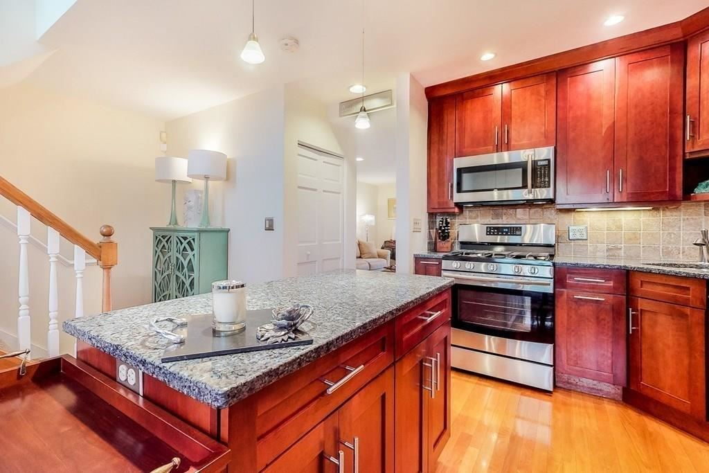 Photo for 41 Whaler Ln #92, Quincy, MA 02171 (MLS # 72684487)