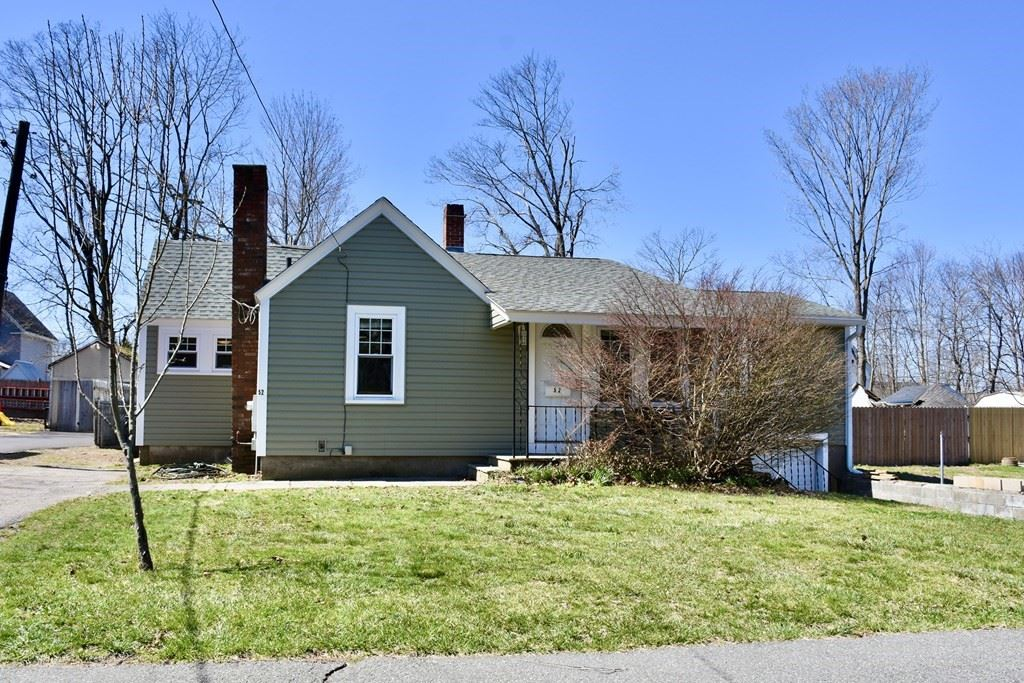 52 Forest St, Middleboro, MA 02346 - MLS#: 72809488