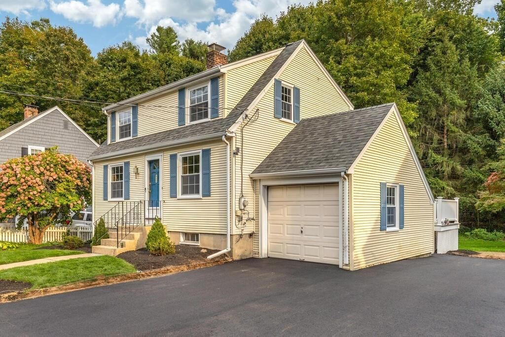 Photo of 32 Forest St, Wakefield, MA 01880 (MLS # 72729512)