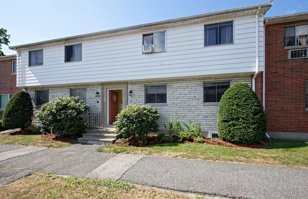 Photo of 9 Bishop Drive #9, Framingham, MA 01702 (MLS # 72705521)