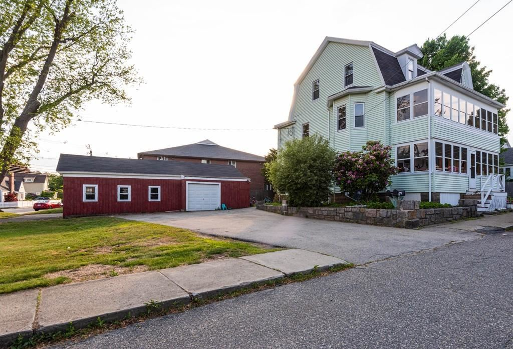 Photo of 4 Fairview Ave #2, Ipswich, MA 01938 (MLS # 72667527)
