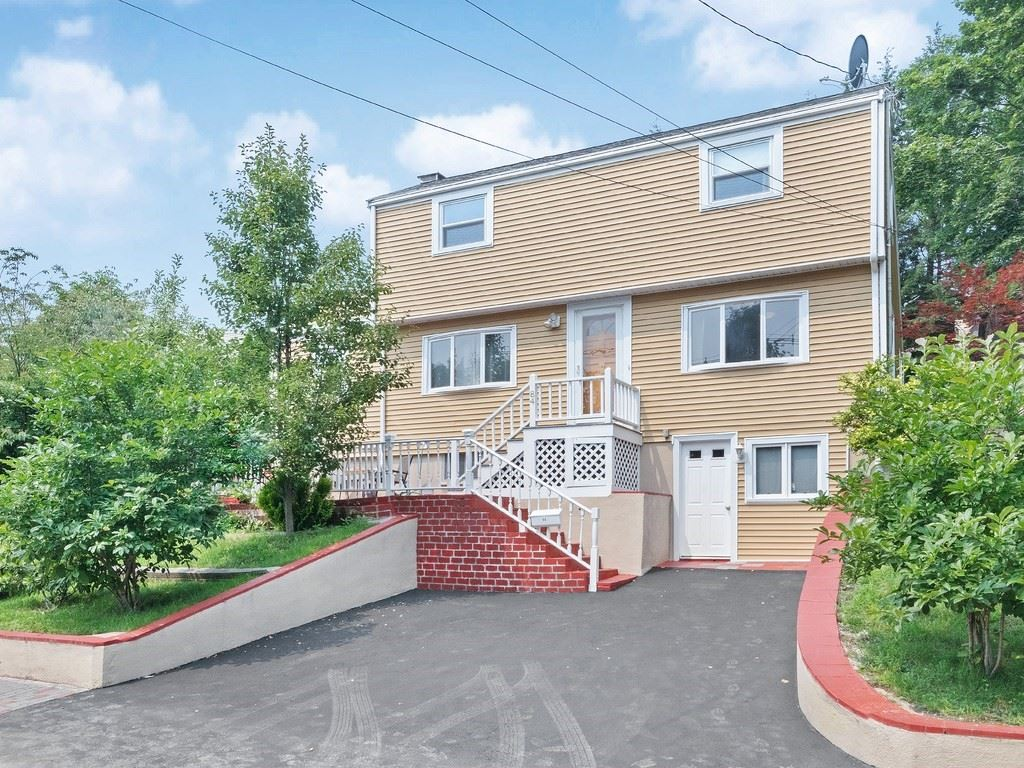 84 Hillview Rd, Westwood, MA 02090 - MLS#: 72869534