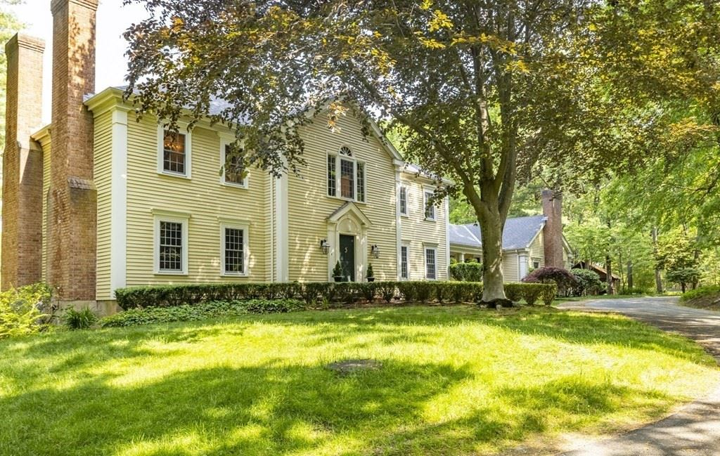 138 Pine St, Dover, MA 02030 - MLS#: 72842561