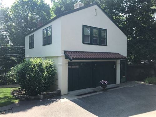 Photo of 28 Hillcrest [Parkway #28, Winchester, MA 01890 (MLS # 72812562)