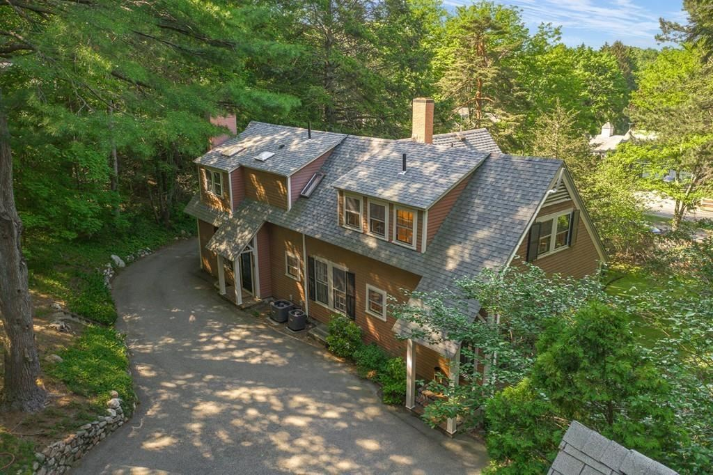Photo of 102 Great Plain Ave, Wellesley, MA 02482 (MLS # 72668571)