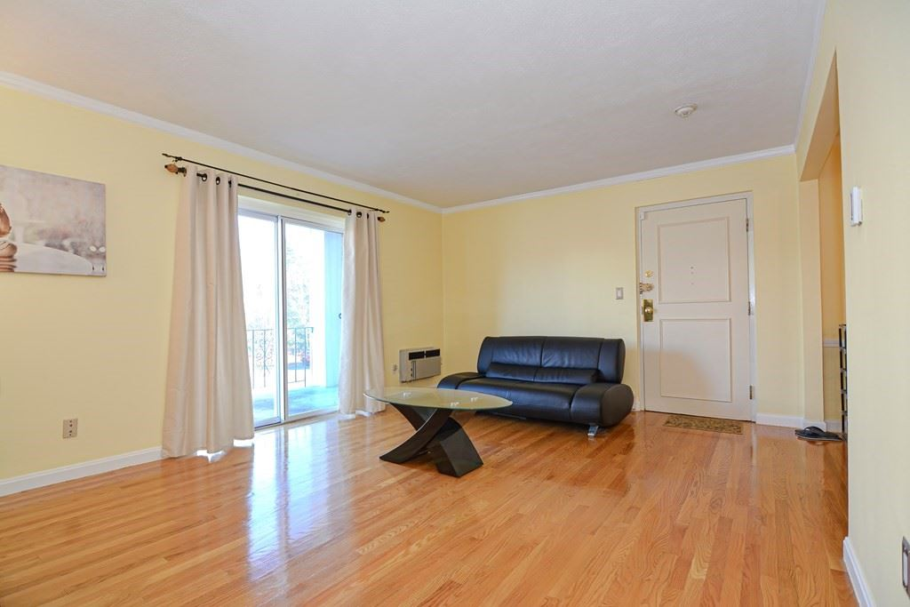 Photo of 802 Willard St #E11, Quincy, MA 02169 (MLS # 72759593)