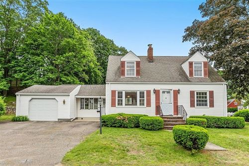 Photo of 6 Lakeview Terrace, Woburn, MA 01801 (MLS # 72846612)