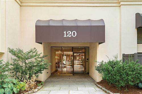 Photo of 120 Beaconsfield Rd #18, Brookline, MA 02445 (MLS # 72728620)