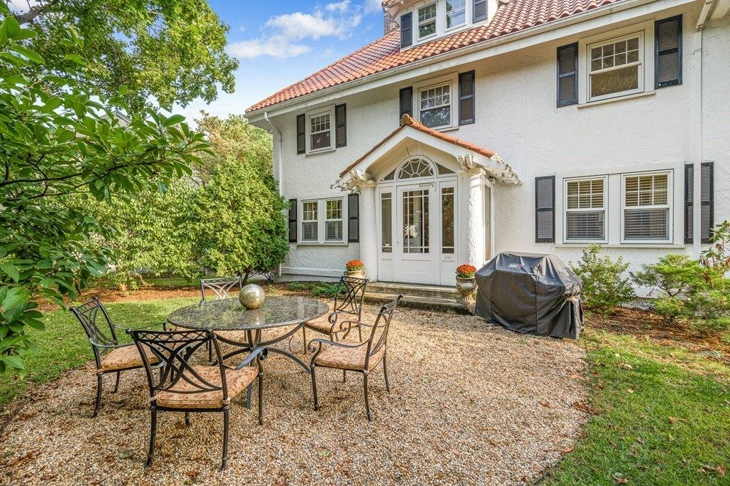 Photo of 11 Grant Ave #0, Wellesley, MA 02481 (MLS # 72723625)