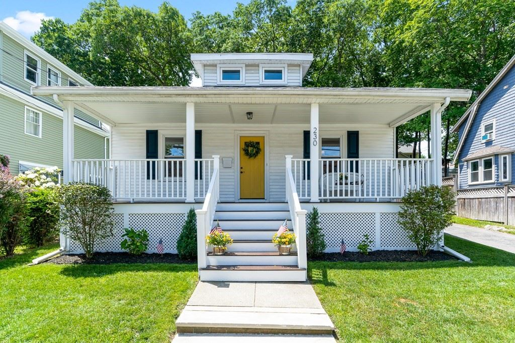 230 W Wyoming Ave, Melrose, MA 02176 - MLS#: 72850632