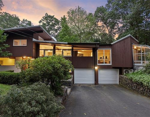 Photo of 14 Overlook Drive, Bedford, MA 01730 (MLS # 72895666)