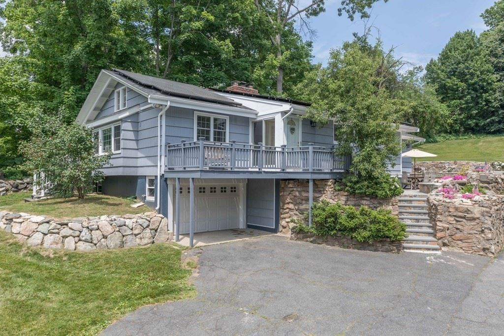 18 Central Street, Southborough, MA 01745 - #: 72847671