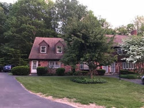 Photo of 20 York Towne Ter #20, Holden, MA 01520 (MLS # 72791705)