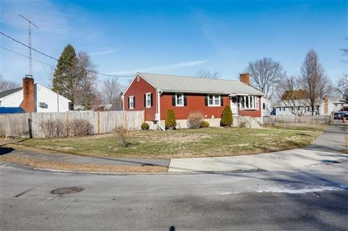 Photo of 30 Putnam Ave, Wakefield, MA 01880 (MLS # 72774733)