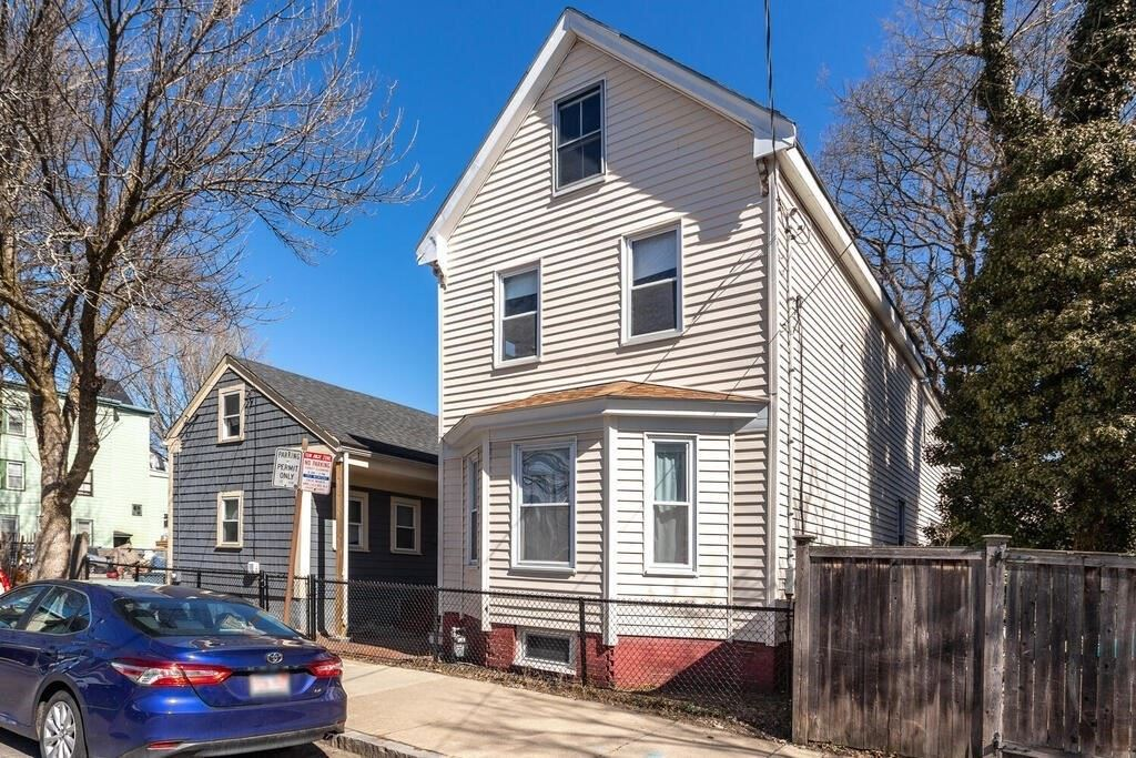 33 & 35 Webster Ave, Cambridge, MA 02141 - MLS#: 72795733