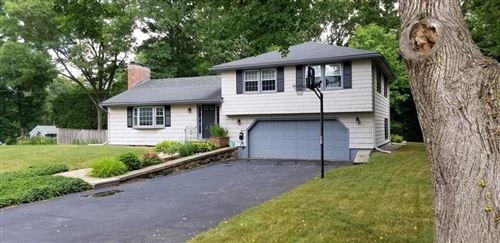 Photo of 27 Lincoln Circle West #27, Andover, MA 01810 (MLS # 72683743)